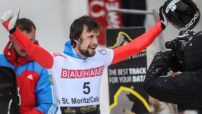 Абсолютным лидером по результатам трёх заездов по скелетону остаётся Александр Третьяков